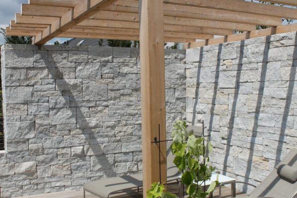 Gartenmauer_Sitzgelegenheit